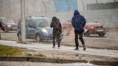 На Новосибирск обрушились снежные заряды