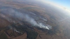 Кадры тушения пожара на складе боеприпасов под Рязанью: используют авиацию
