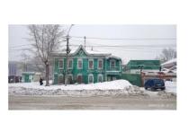 В центре Барнаула выставили на продажу «переехавший» дом, в котором раньше был бордель
