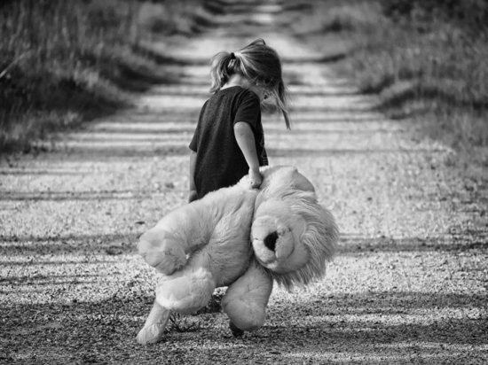 В Татарстане проверяют очередной факт истязания матерью малолетней дочери
