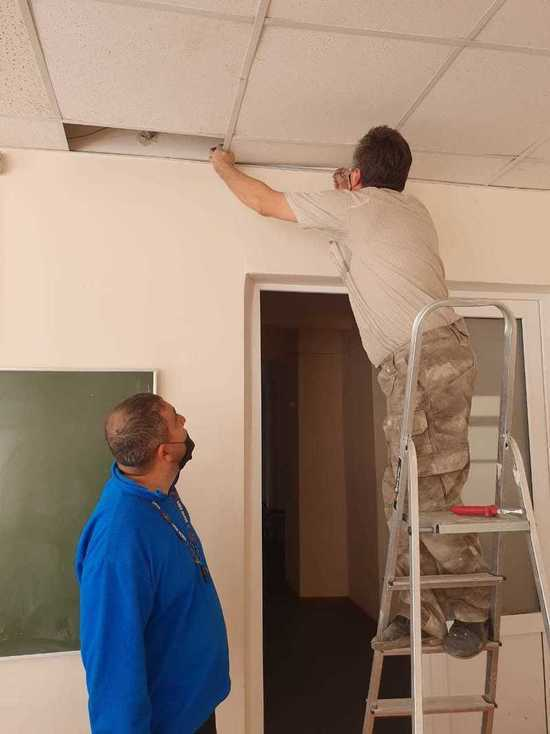 В Ставрополе опровергли угрозу обрушения конструкций потолка в школе