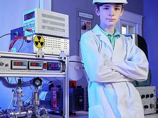 Школьник, собравший дома ядерный реактор, заказал детали в интернете