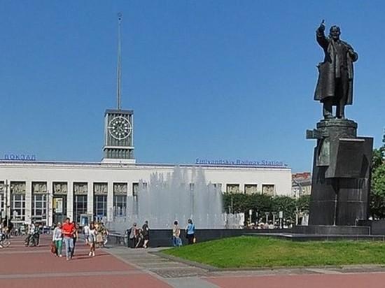 Беглов предложил петербуржцам выбрать музыку для фонтана на площади Ленина