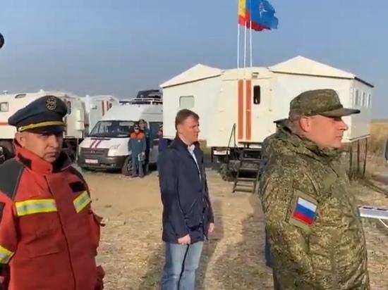 Греков наградил сотрудников МЧС за тушение пожара на военном складе