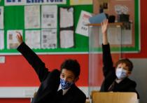 Школьникам запрещают петь в классе песенку «Happy Birthday» для поздравления одноклассников-именинников из-за опасений, что пение может распространить коронавирус