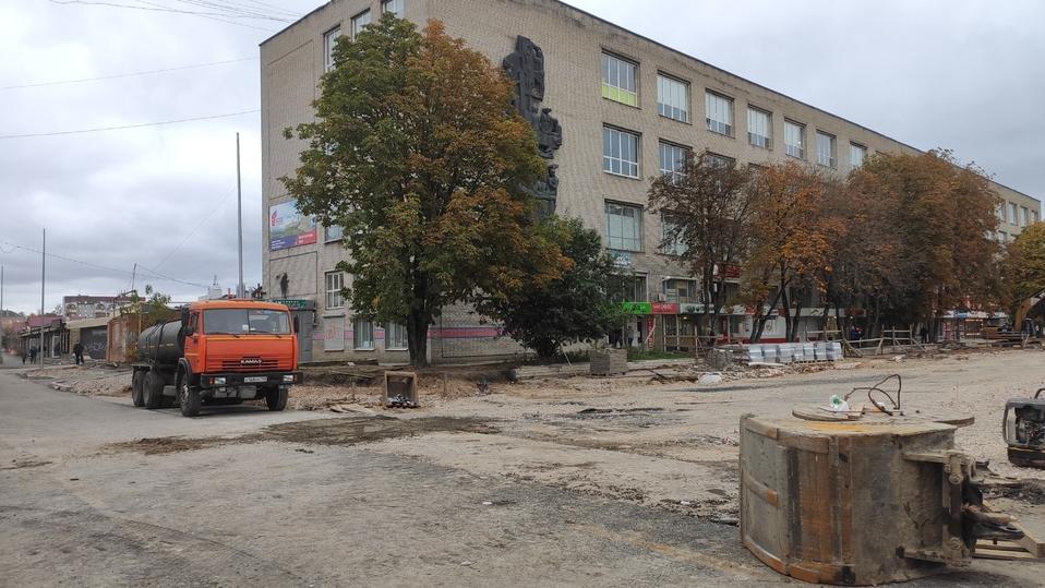 В Пскове готовятся к укладке асфальта на улице Яна Фабрициуса , фото-2