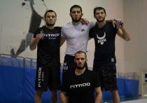 Ислам Махачев остался без соперника на турнире UFC 254, Тагир Уланбеков успешно дебютировал в сильнейшей лиге мира, а нокаут в исполнении Хоакина Бакли восхитил фанатов ММА по всему миру