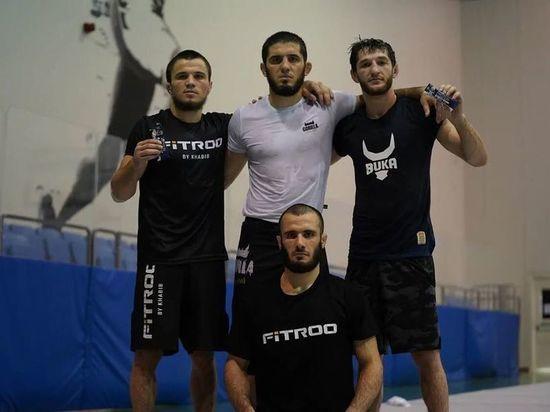 Уланбеков побил бразильца в UFC, а Махачев остался без соперника