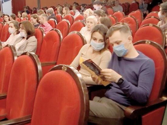 Директора столичных театров озабочены новыми мерами по борьбе с коронавирусом