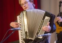 Этот год для выпускника Центральной музыкальной школы Новосибирска Виталия Шумилова был непростым