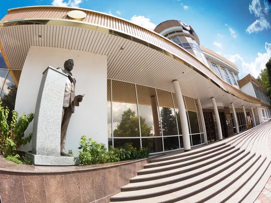 Факультет был неприкасаемым даже во времена попыток украинизации Крыма, а сейчас его делают частью сомнительного эксперимента