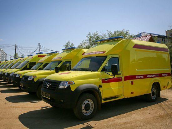 Выделенные правительством РФ автомобили скорой помощи прибыли в Якутию