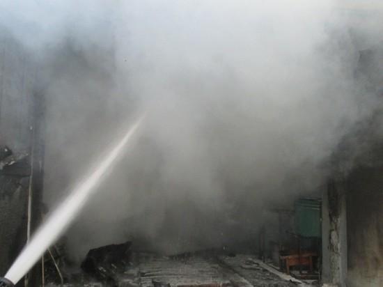 В селе Томтор Мегино-Кангаласского района Якутии обнаружены двое погибших в сгоревшем гараже