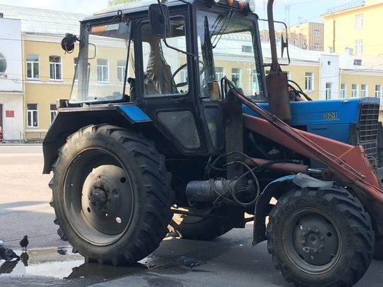 В Сафоновском районе скотник неудачно прокатился на хозяйском тракторе