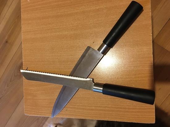 Смоляне трижды с ножом в руках грозили убийством