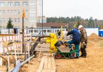На площадке строительства детской больницы в Твери испытывают сваи