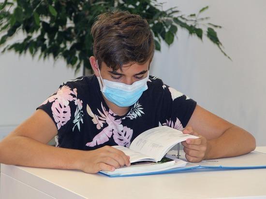 Родители выступили против продления каникул в школах из-за коронавируса
