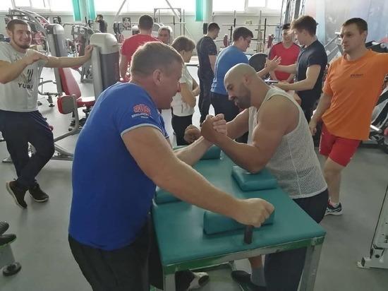 Серпуховичи начали подготовку к областному Чемпионату по армрестлингу
