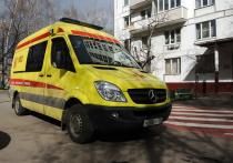 Тело 47-летней домохозяйки обнаружили на козырьке подъезда одного из жилых домов