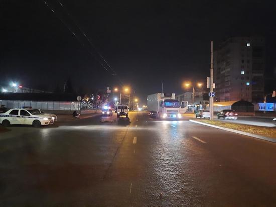 Грузовик Volvo насмерть сбил пешехода-нарушителя в Чебоксарах