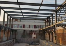 В Новом Уренгое подрядчик сорвал сроки реконструкции бассейна «Юность»