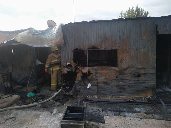 Сотрудник газозаправочной станции пострадал при пожаре в Свердловской области