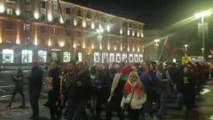 Сторонники Лукашенко прошли по Минску с флагами и иконами