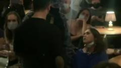 Противница масок сорвала спектакль в Москве: пришлось вызывать полицию