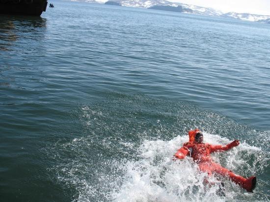 На Камчатке с прогулочного судна исчез мужчина