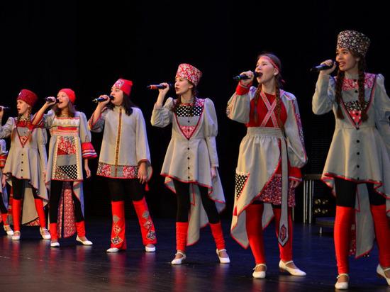 На Ямале юные певцы посоревнуются в эстрадном творчестве
