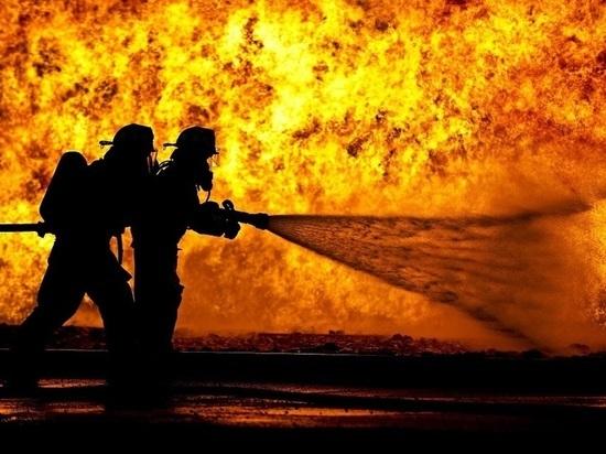 В Луганске ликвидировали пожар в бывшем здании ГП «Луганскгеология»