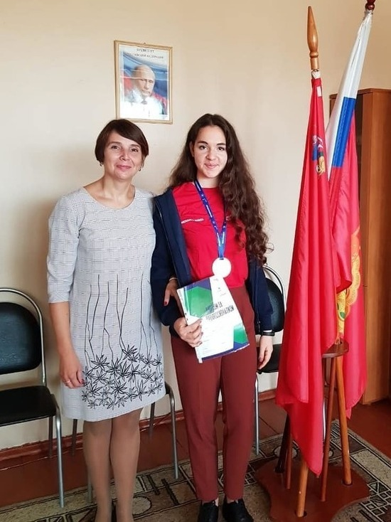 Серпуховская школьница получила Медальон национального чемпионата