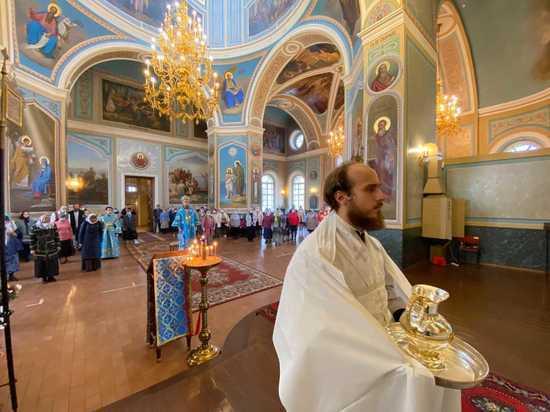 Митрополит Тверской и Кашинский Амвросий совершил первое освещение храма