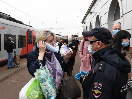 На железнодорожном вокзале Твери прошли рейды по соблюдению масочного режима