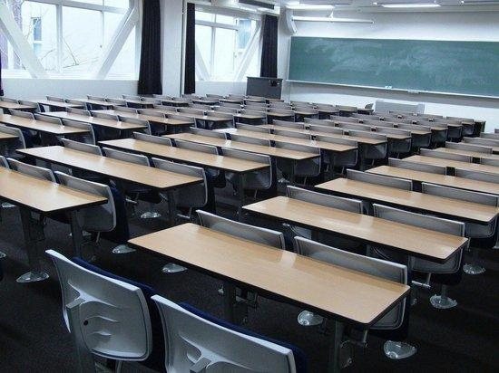 Германия: Эксперты рассказали, как снизить риск заражения в школах, особенно если проветривать классы невозможно