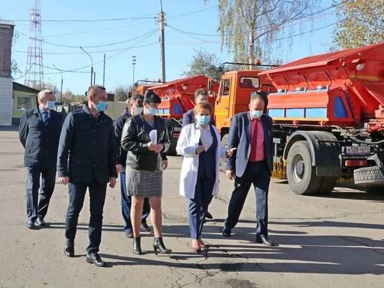 За обновление автопарка Елена Сорокина поблагодарила губернатора Николая Любимова