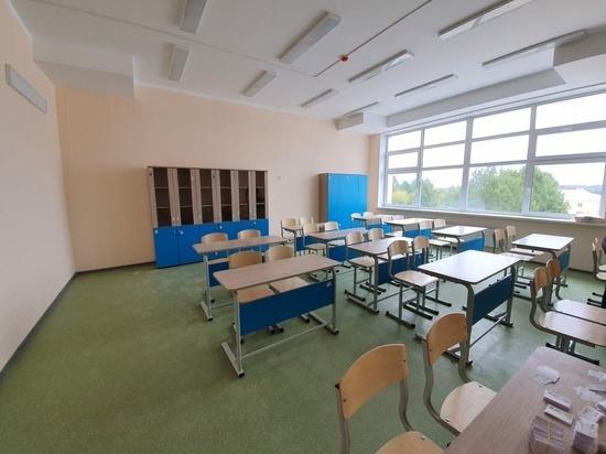 Мебель для школы, которую открывали Куйвашев и Козицын, делали в ИК-13