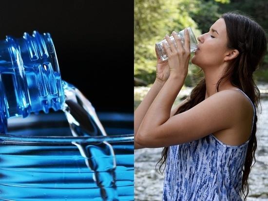 Диетолог посоветовала пить меньше двух литров воды в день