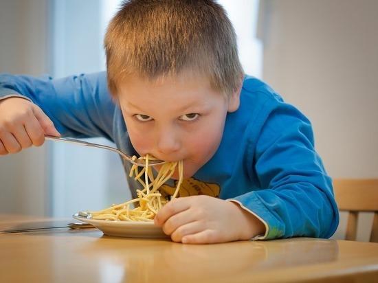 В школах Ленобласти нашли нарушения качества питания на 850 тысяч рублей