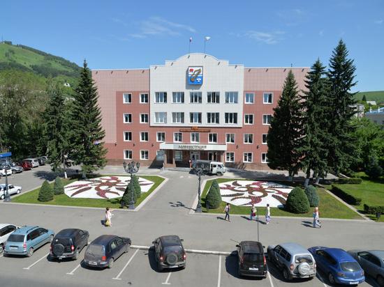 Мэрия Горно-Алтайска закрылась на карантин из-за ковида