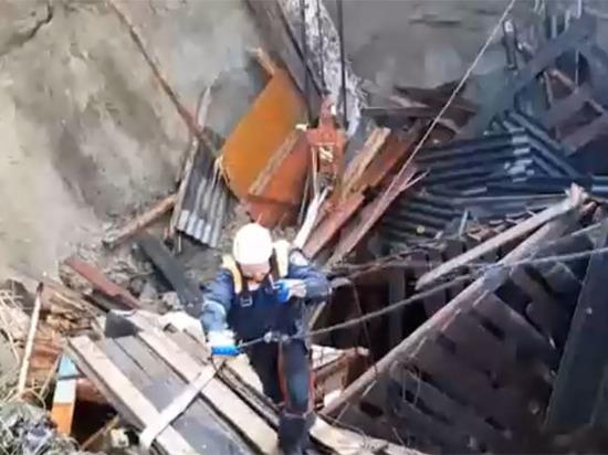 В ЧП в Вышково могут быть виноваты подземные воды и военный полигон