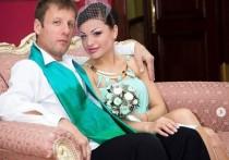 Музыкант Валерий Дидюля официально оформил развод со своей супругой Евгенией, в браке с которой родилась дочь