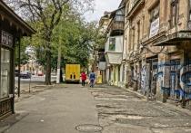 Мэр Одессы Геннадий Труханов заявил, что городская историко-топонимическая комиссия решила вернуть прежние названия проспекту Небесной Сотни и улице Инглези