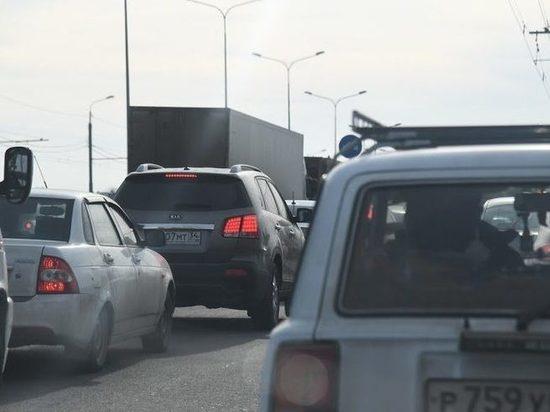 Дорожники рассказали о причинах больших пробок на волгоградской трассе