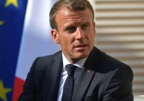 Французский лидер Эммануэль Макрон назвал убийство учителя истории в коммун Конфлан-Сент-Онорин под Парижем террористической атакой