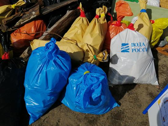 Волонтёры навели порядок на берегах рек Хабаровского края