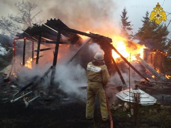 Под Калугой на пожаре дачного дома пострадал человек
