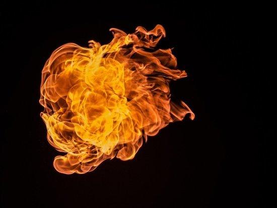 В Энгельсе сгорел гараж, погиб мужчина