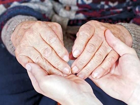 В Ивановской области одиноких пожилых людей бесплатно забирают в приемные семьи