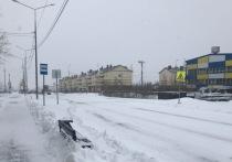 Автобусную остановку в Лабытнанги засыпали снежным отвалом